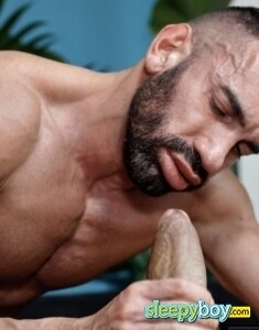 Gay Escort Kai 36yr - licking